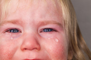 Hautpflege bei Neurodermitis für kleine Kinder